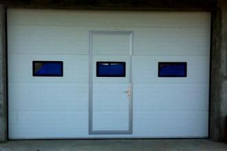 Usi de garaj rezidentiale – elemente decorative de mare efect